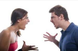 pareja-discutiendo-4